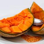 Papaya mit Honigmelonenkonfitüre